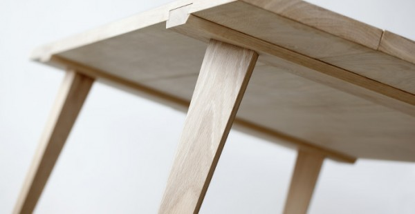 Timber-table-assembler-par-Julian-Kyhl-design-danemark-blog-espritdesign-11